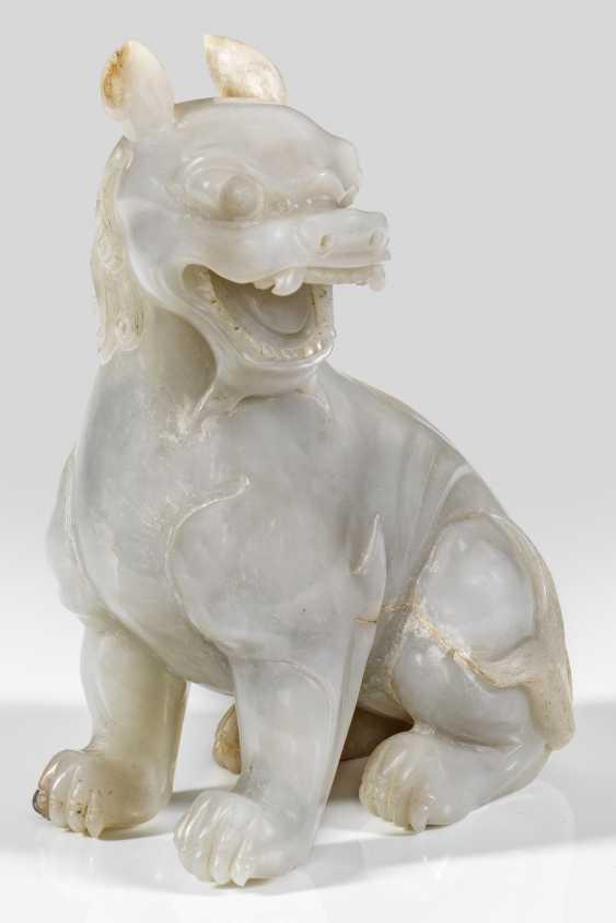 Große Jade-Skulptur eines Tempelwächter-Löwen - photo 1