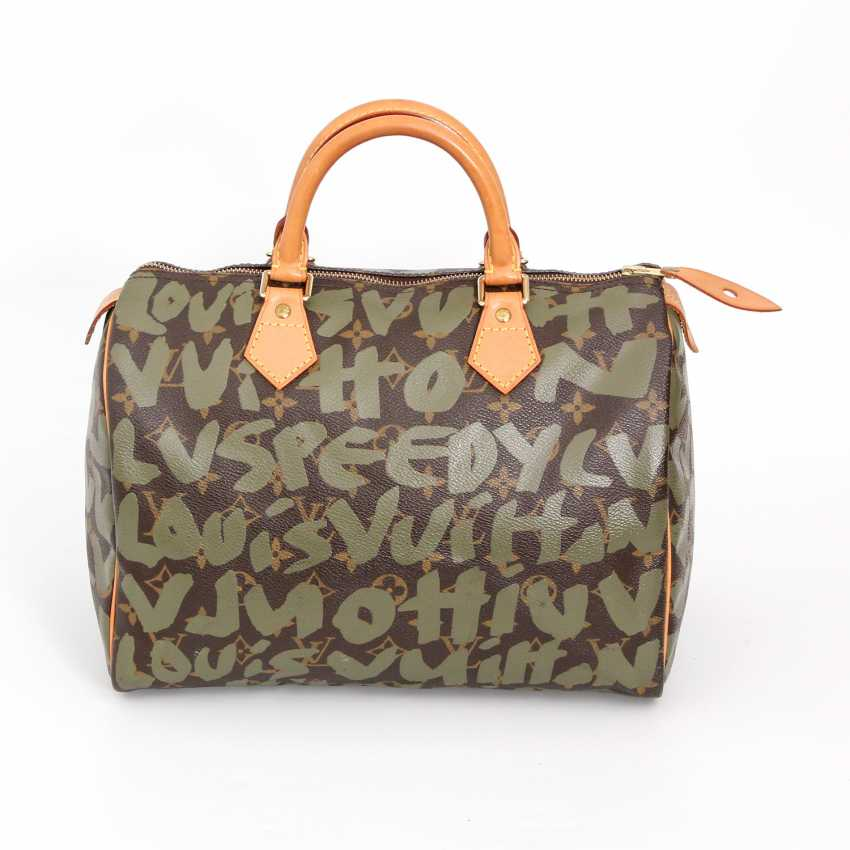 LOUIS VUITTON is a very casual bag