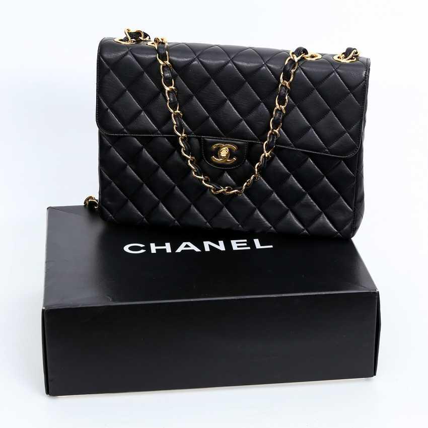 CHANEL VINTAGE exclusive shoulder bag