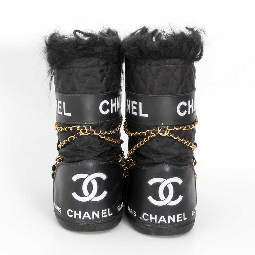 7be9f41d0fcf Lot 31. CHANEL extravagant moon boots