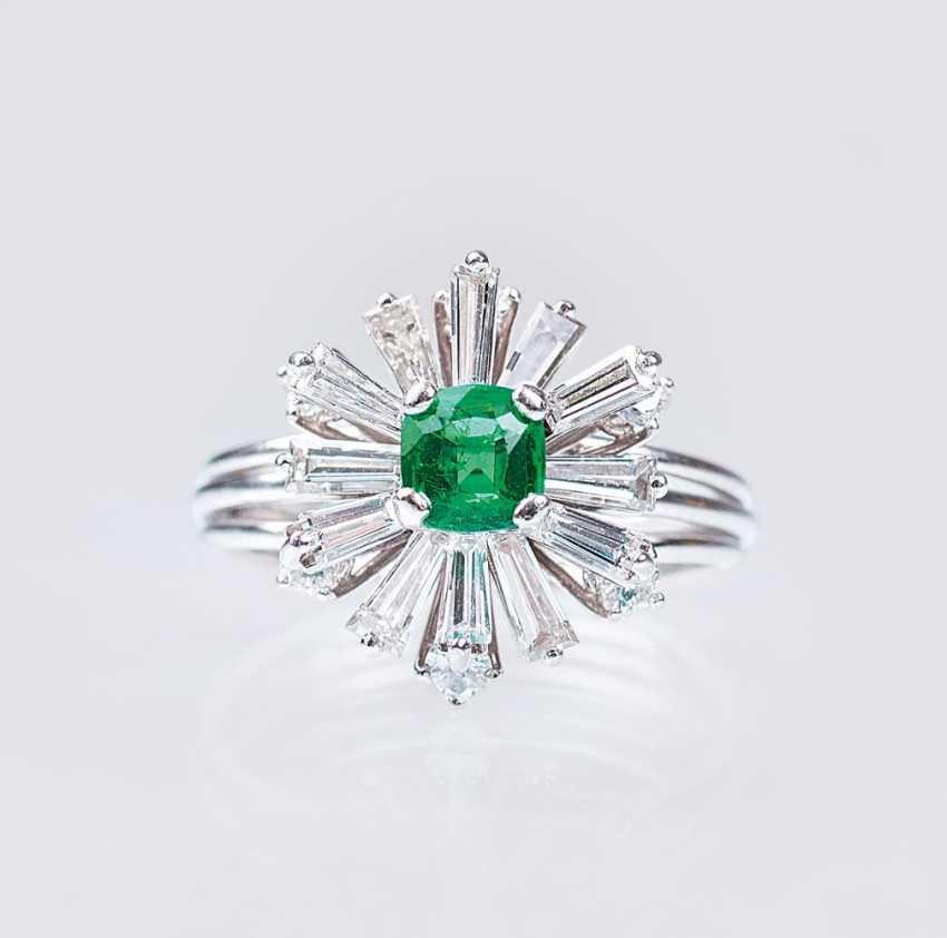 Vintage Emerald Diamond Ring - photo 1