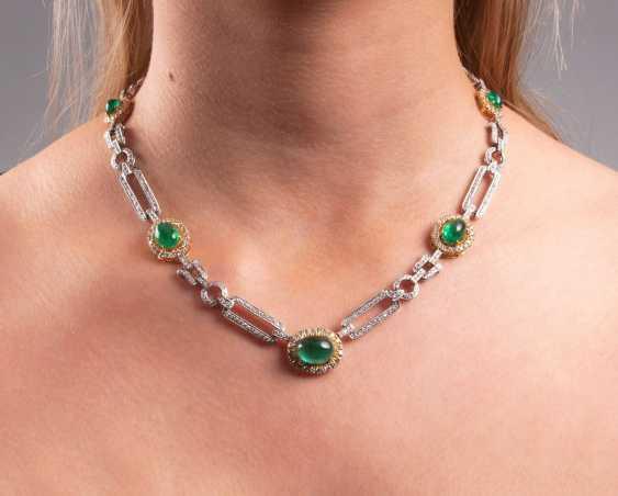 Elegant Emerald-Brilliant-Necklace - photo 2
