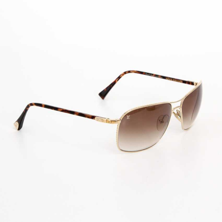 ccbde7e088b Lot 53. LOUIS VUITTON classic elegant sunglasses. NP  €400.-! from ...