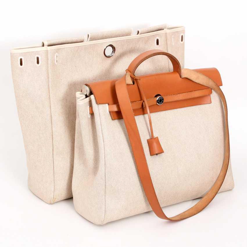 Auction HERMÈS VINTAGE practical Handleshoulder bag,