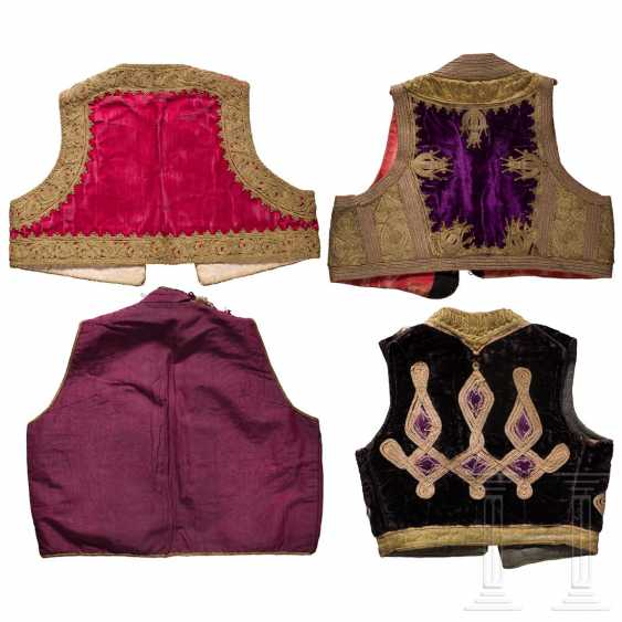 Four embroidered vests, Balkan Turkish, 1st half of the 20th century - photo 2