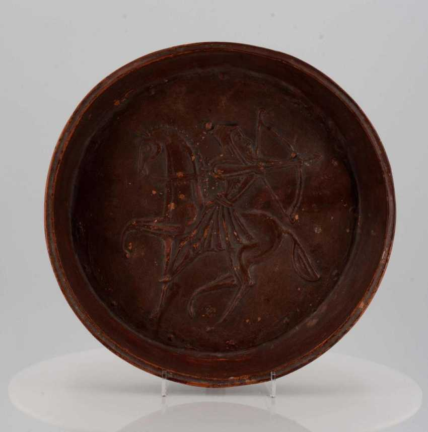 Bowl with riding archer - photo 2