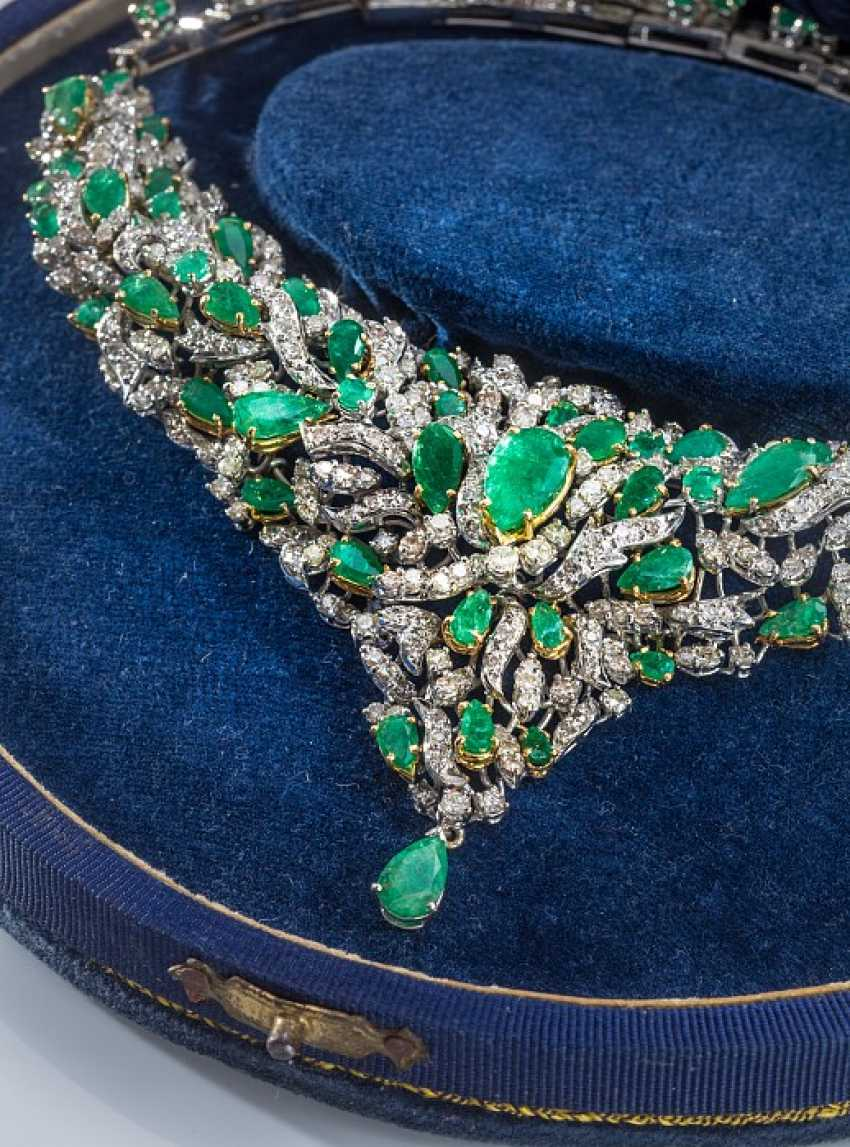Magnificent necklace with diamonds - photo 1
