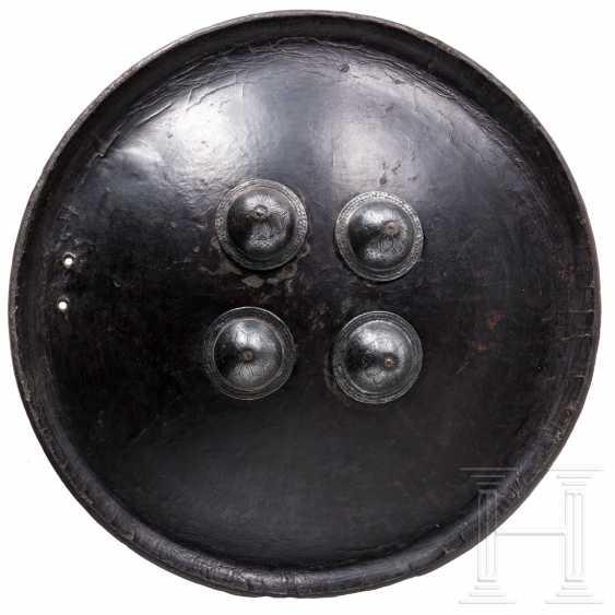 Leather shield, India, 19th century - photo 1