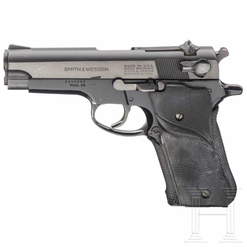 """Smith & Wesson Modell 59, """"The 14-Shot Autoloading Pistol"""", mit Holster - photo 1"""