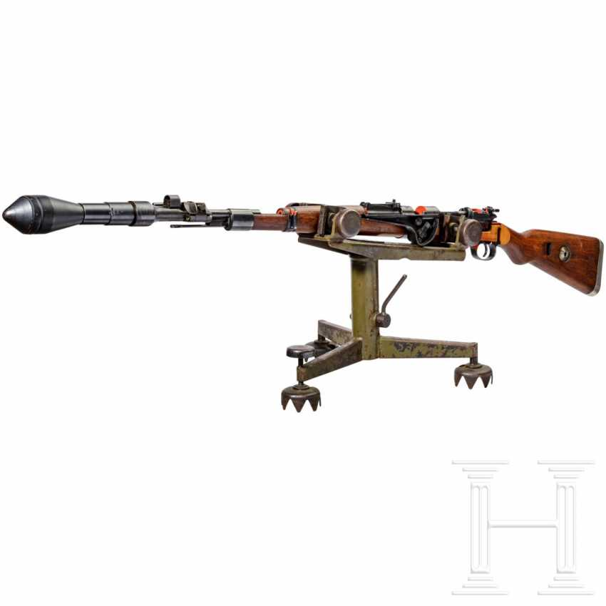 Schnittmodell Preduzece 44 mit Gewehrgranatgerät 42 auf Dreibein - photo 1