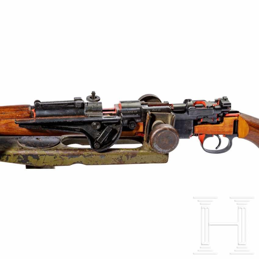 Schnittmodell Preduzece 44 mit Gewehrgranatgerät 42 auf Dreibein - photo 3
