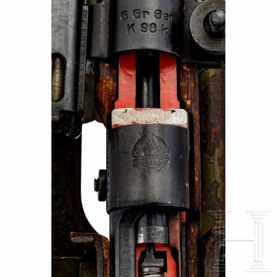 Schnittmodell Preduzece 44 mit Gewehrgranatgerät 42 auf Dreibein - photo 4