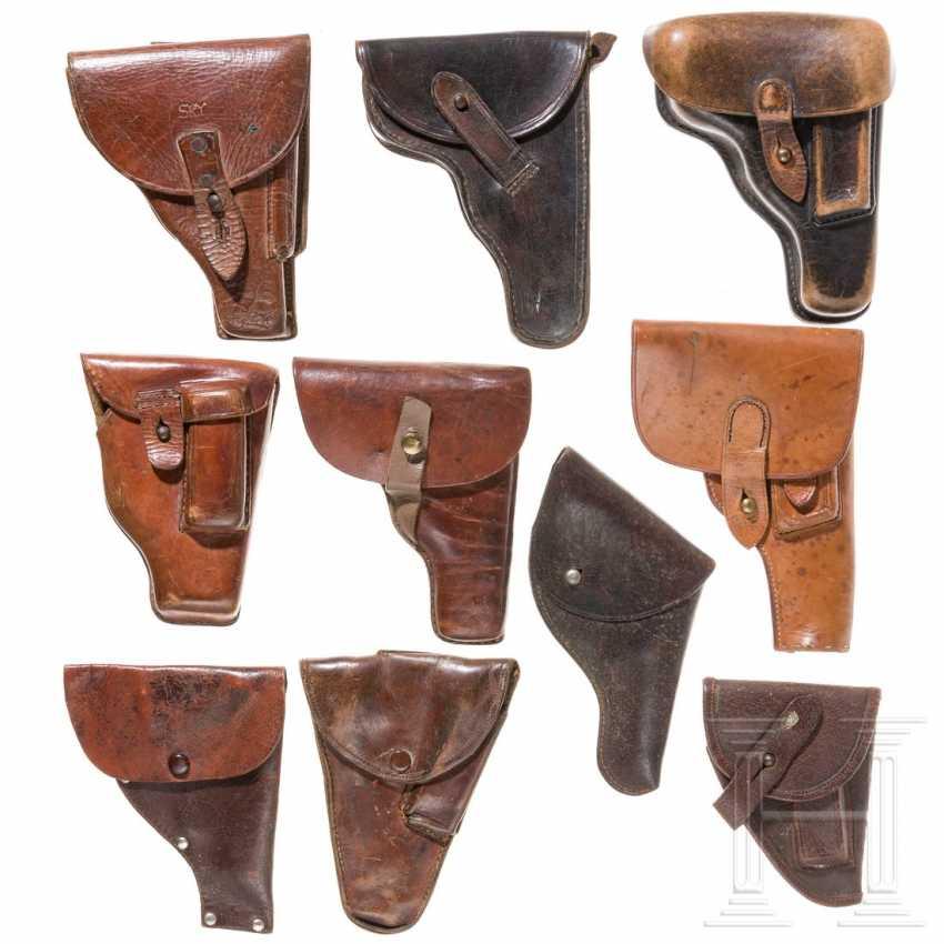 Zehn internationale Pistolentaschen, 20. Jahrhundert - photo 1