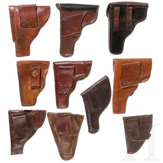 Zehn internationale Pistolentaschen, 20. Jahrhundert - photo 2
