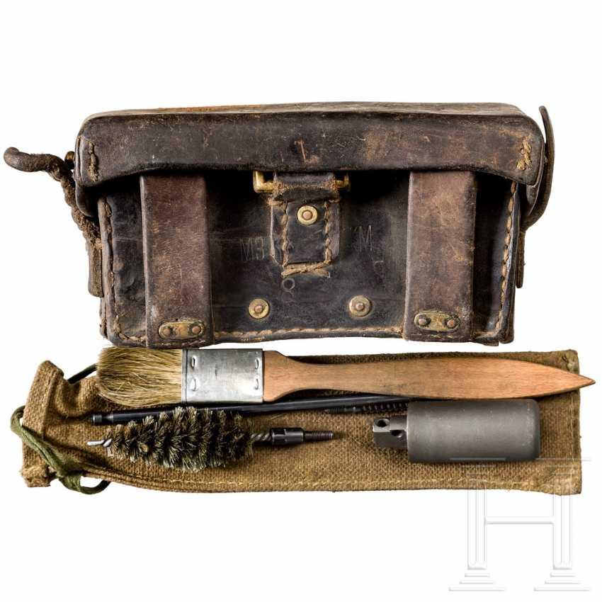 Patronentasche mit Putzzeug, 20. Jahrhundert - photo 1