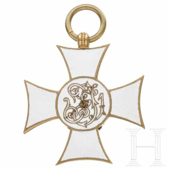 Military service mark III. Class for officers with enamelled back - photo 2