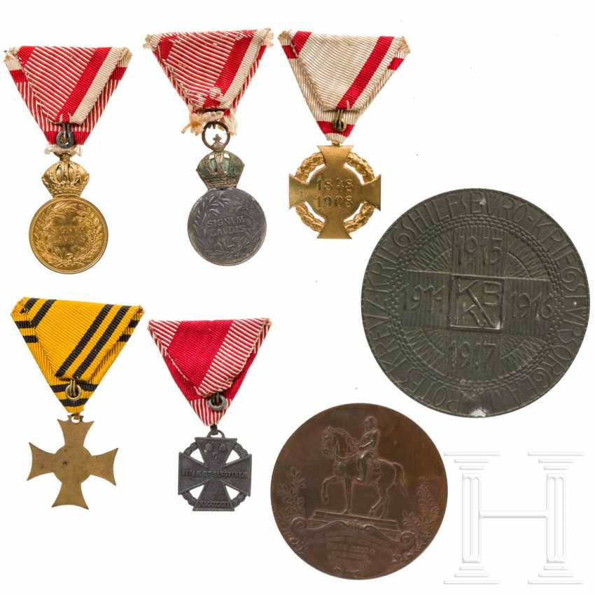 Two medals, one in a case, five awards, two maps, each kuk Austria - photo 2