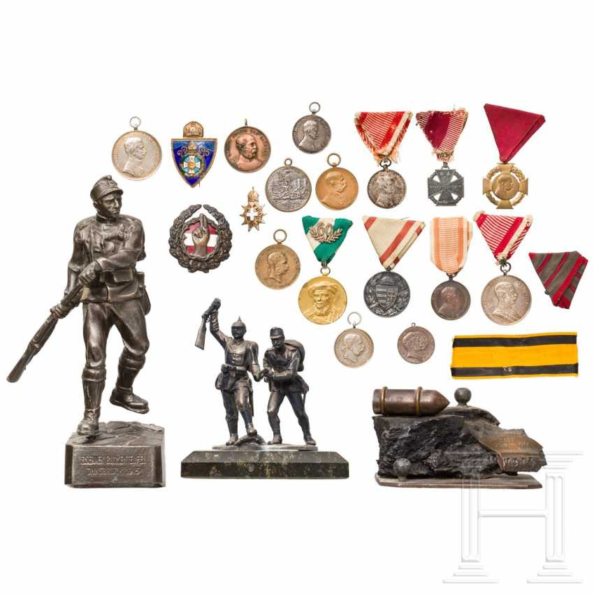 Small collection of Austrian militaria and medals - photo 1