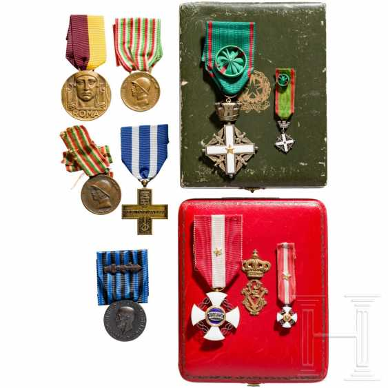 Order of the Crown of Italy - Cross of the Knights in a case and other awards, Italy, 20th century - photo 1
