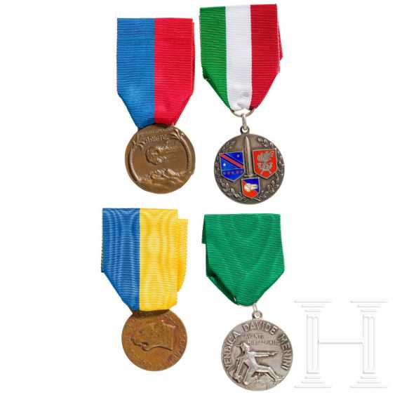Four medals, Italy, 20th century - photo 1