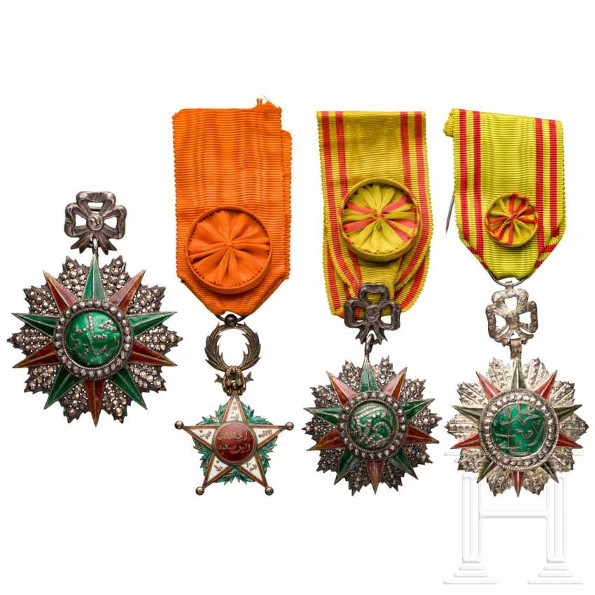 Order Nicham Iftikhar - commander and two officer decorations - photo 1