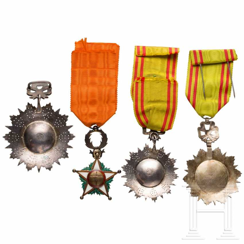 Order Nicham Iftikhar - commander and two officer decorations - photo 2