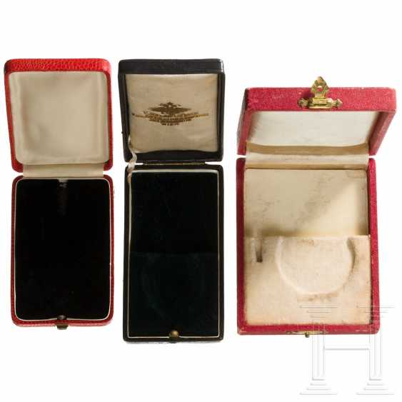 Six medal cases - photo 3