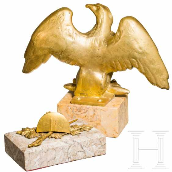 Table eagles and paperweights - photo 1