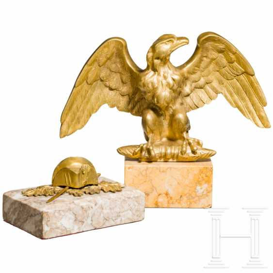 Table eagles and paperweights - photo 2