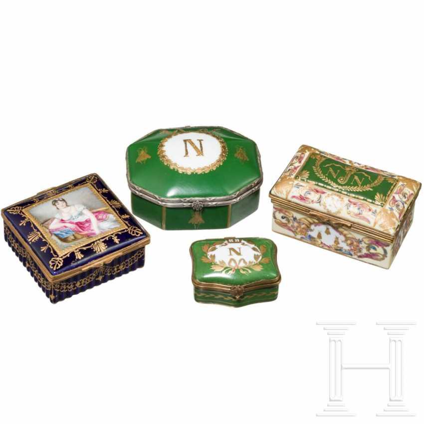 Napoleon I - four porcelain boxes - photo 1