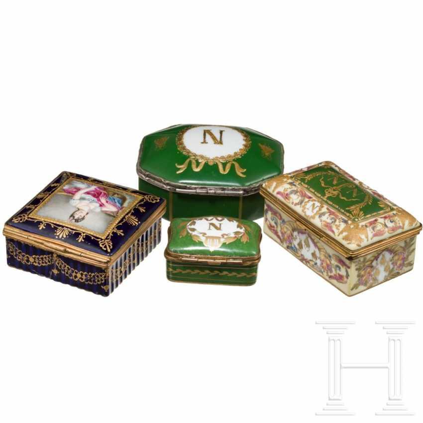 Napoleon I - four porcelain boxes - photo 2