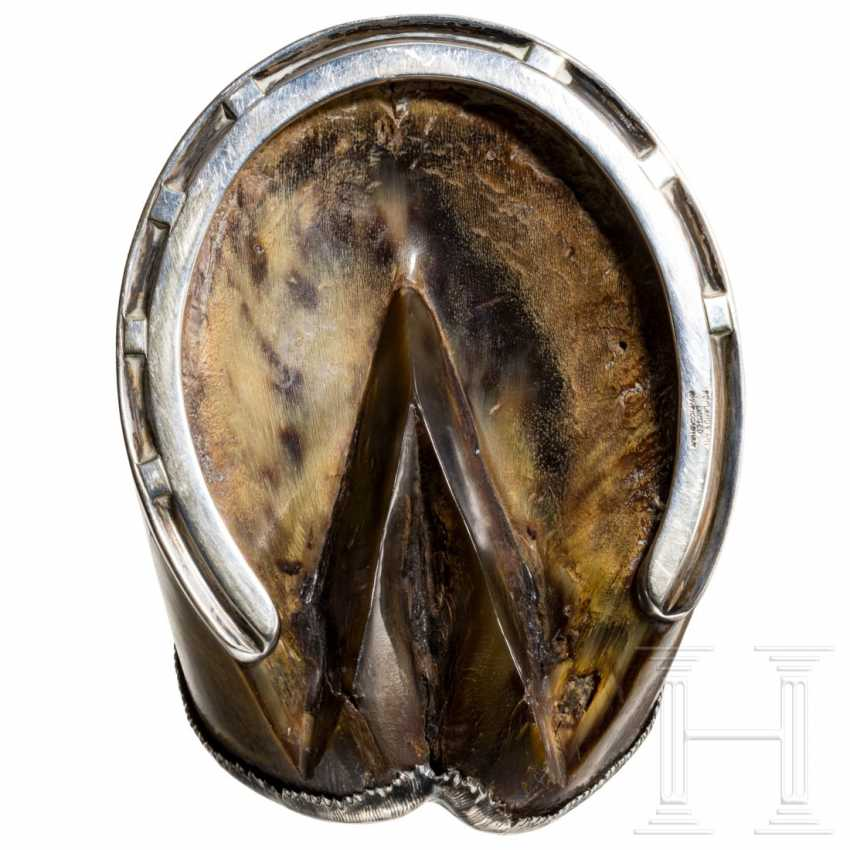 Horse hoof as an ashtray, dated 1914 - photo 4