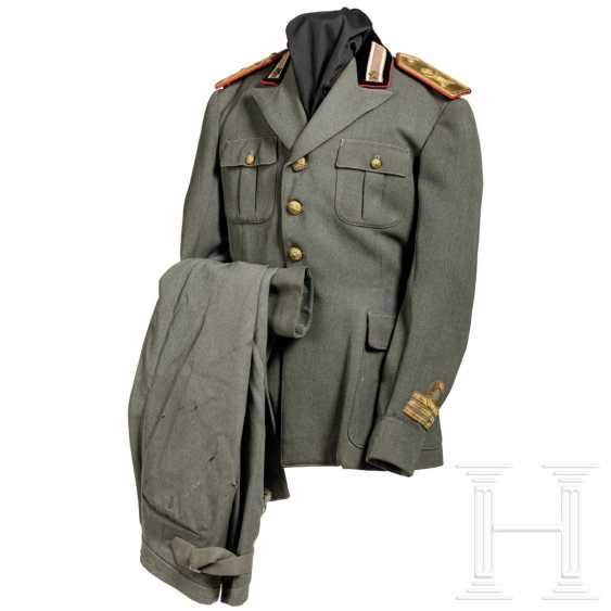 """Uniform for a captain of the """"Cosseria"""" infantry division, around 1940 - photo 1"""