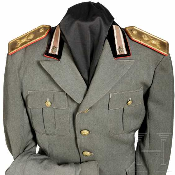 """Uniform for a captain of the """"Cosseria"""" infantry division, around 1940 - photo 3"""