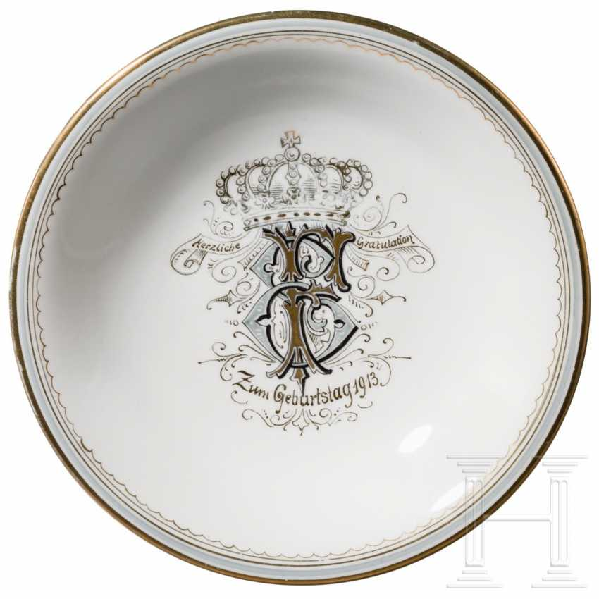 Gilded porcelain bowl, dated 1913 - photo 3
