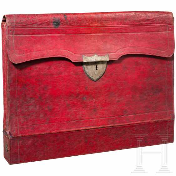 Document case made of red leather, probably Russia, 1st third of the 19th century - photo 1