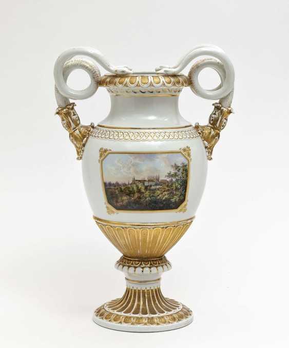 Meissen snake-handle vase, based on a model by Ernst A. Leuteritz - photo 1