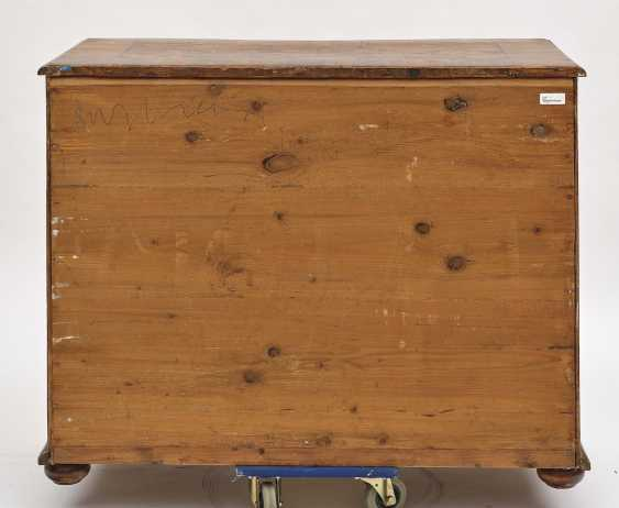 South German chest of drawers, 18th century - photo 2