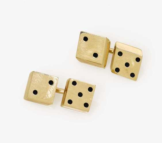 A pair of cufflinks with dice as trimmings Probably USA, 1950s-1960s - photo 1