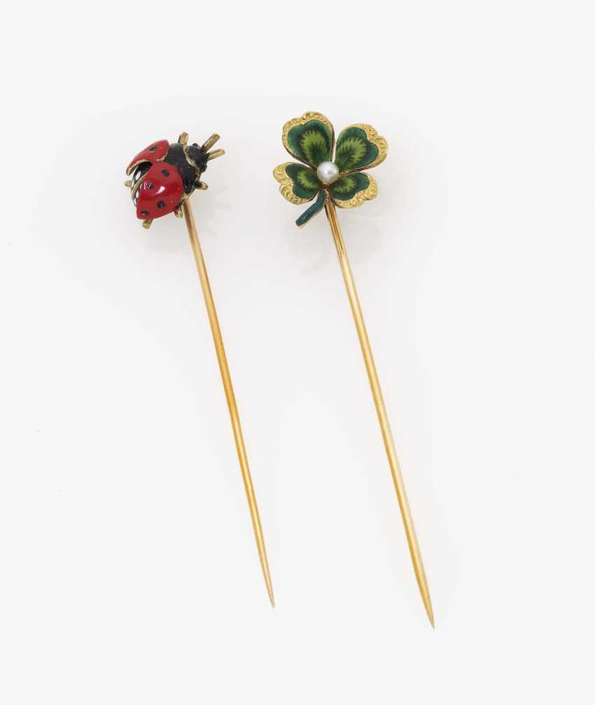 Two tie pins with a four-leaf clover and a ladybug USA, early 20th century KREMENTZ - photo 1
