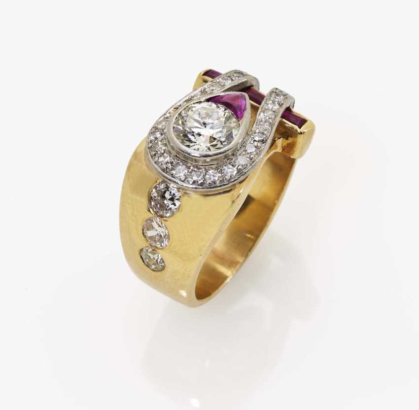 Ring with old European cut diamonds and rubies Germany, 1940s - photo 2