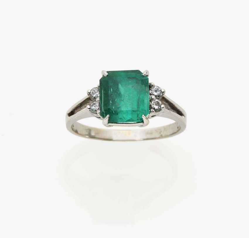 Alliance ring with a Colombian emerald and diamonds Germany 1970s - photo 1