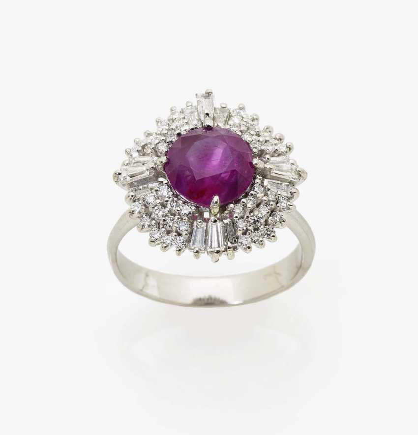 Entourage ring with red sapphire and diamonds - photo 1