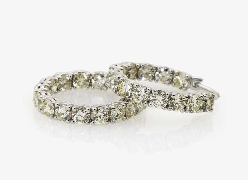 A pair of classic hoop earrings with diamonds Germany - photo 1