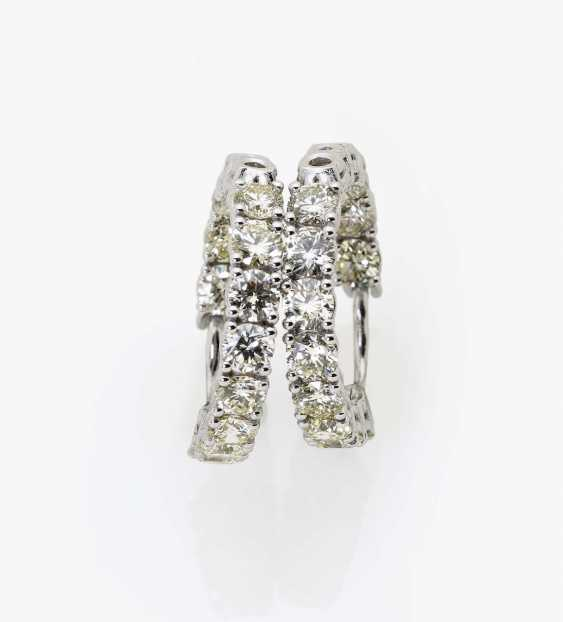 A pair of classic hoop earrings with diamonds Germany - photo 2