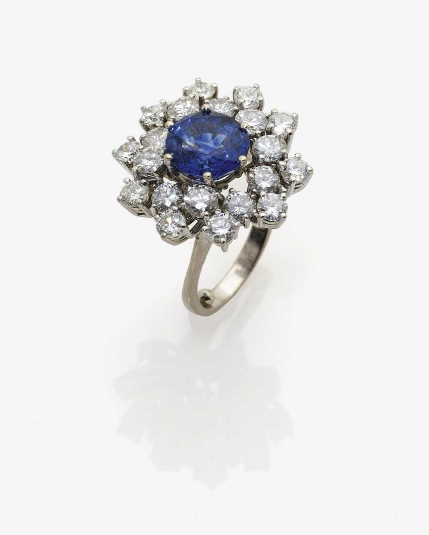 Entourage ring with sapphire and diamonds Germany - photo 1