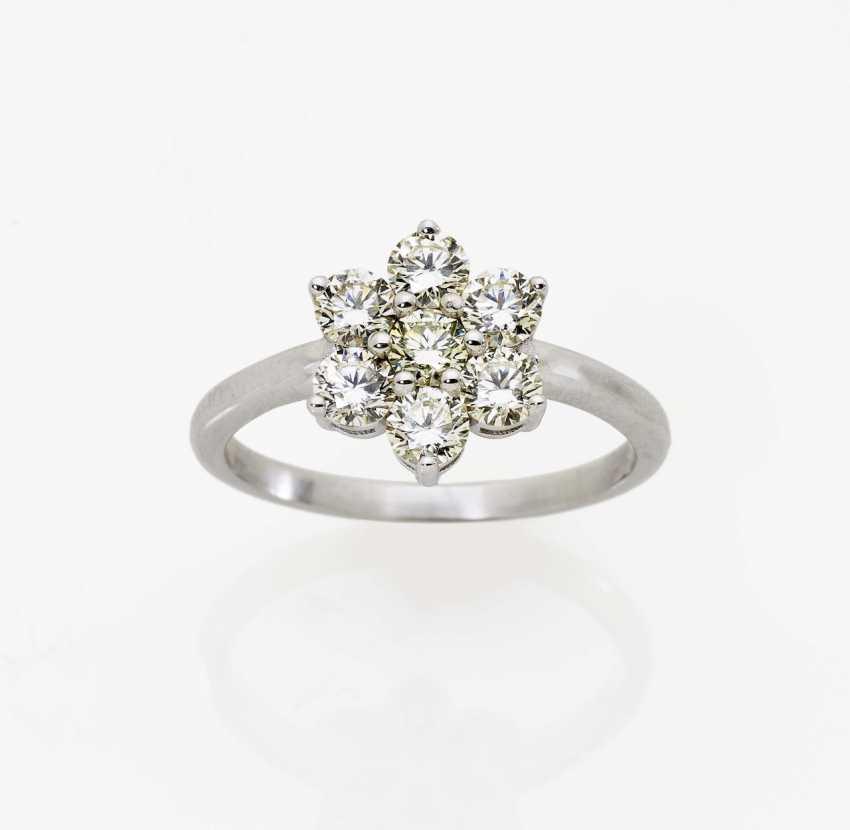Entourage ring with diamonds Germany - photo 1
