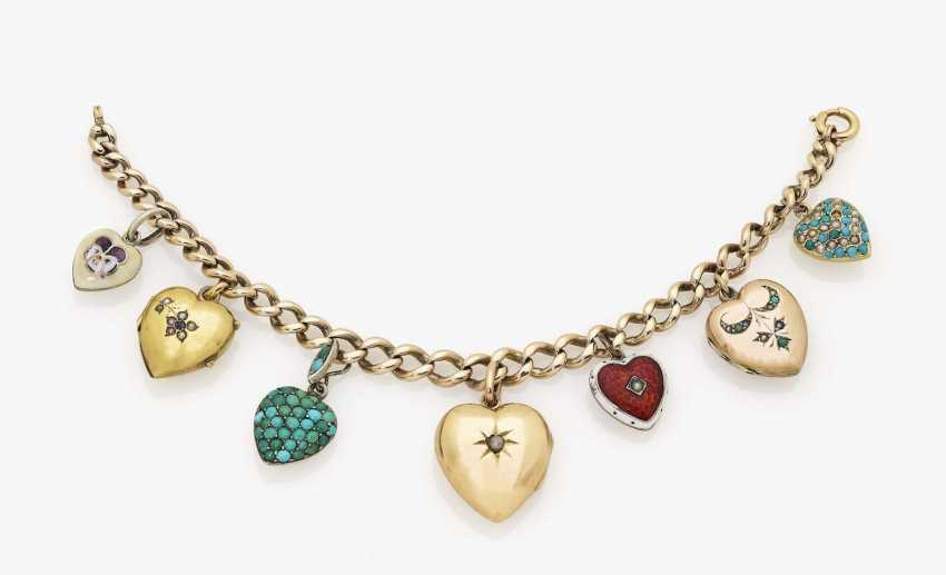 Bracelet with 8 heart-shaped pendants and medallions Austria, England, Slovakia, 1880-1950 - photo 1