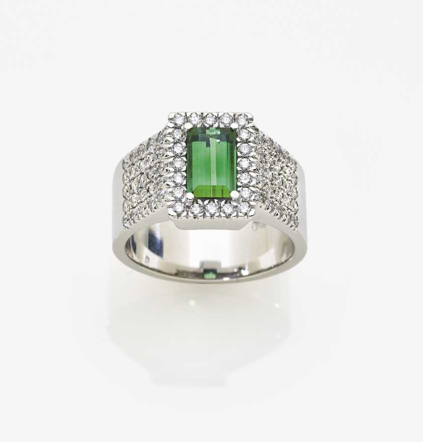 Ring with tourmaline and diamonds - photo 1