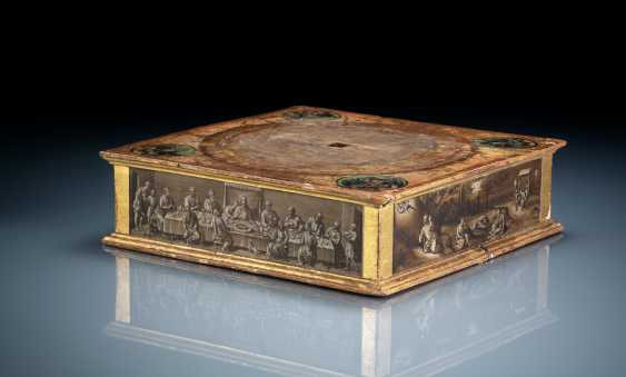Rare relic stand with polychrome and grisaille painting - photo 1
